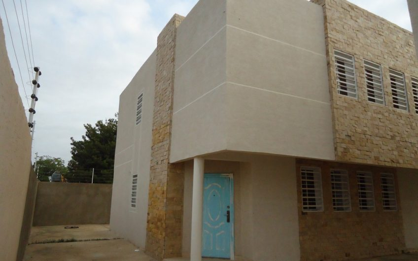 Town House en la Av. Principal de Las Delicias – Cabimas