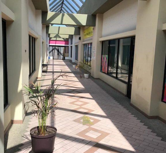 Local en Centro Comercial Oliva Garden – Av. Bolívar